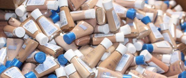 Maquillaje en Exceso (Overstock)